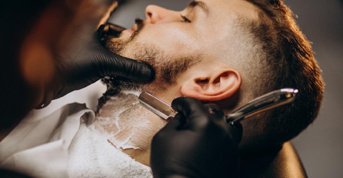 髭剃りで肌荒れを起こす原因