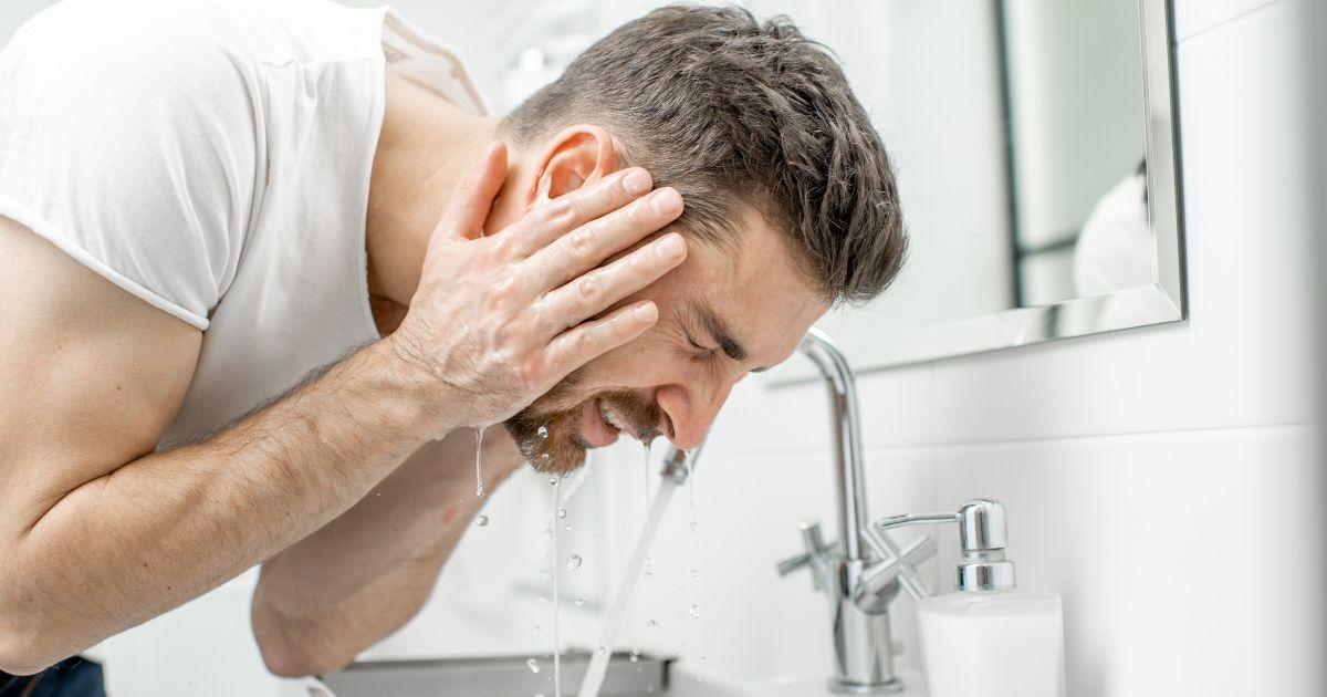 洗顔料を使わない方がいい理由~男性の場合~